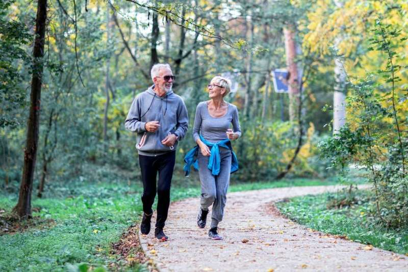 Staying active throughout adulthood is linked to lower ...