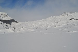 Researchers find hydrogen-assisted life under glaciers