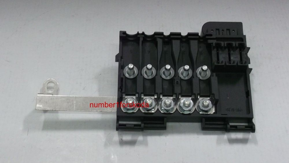 medium resolution of genuine skoda octavia mk1 1u battery fuse box 1j0937617c octavia mk1 fuse box location skoda fabia mk1 fuse box location
