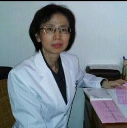 醫師簡介(鴻華) - 行德健康連鎖體系