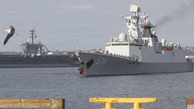 سفينة حربية صينية في الولايات المتحدة