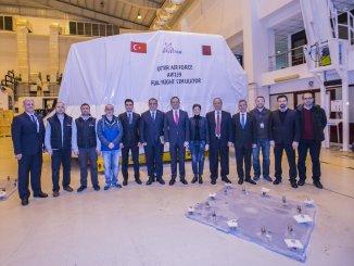 العقد بين قطر وشركة هوالسان