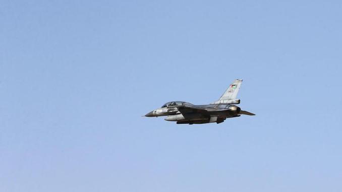 مقاتلة أف-16 أردنية