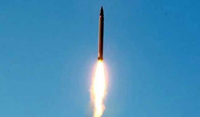 اختبار صاروخ باليستي