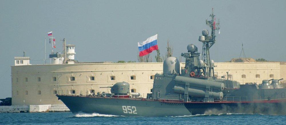 سفينة روسية في المتوسط