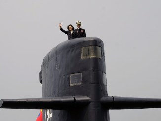 تايوان تطلق أول مشروع لتطوير غواصاتها