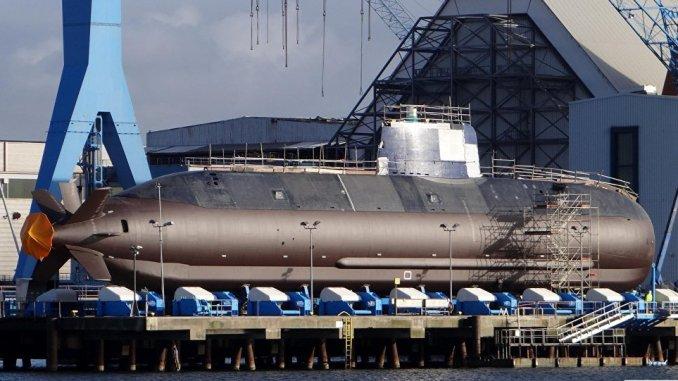الغواصة النووية التي استلمتها إسرائيل من ألمانيا