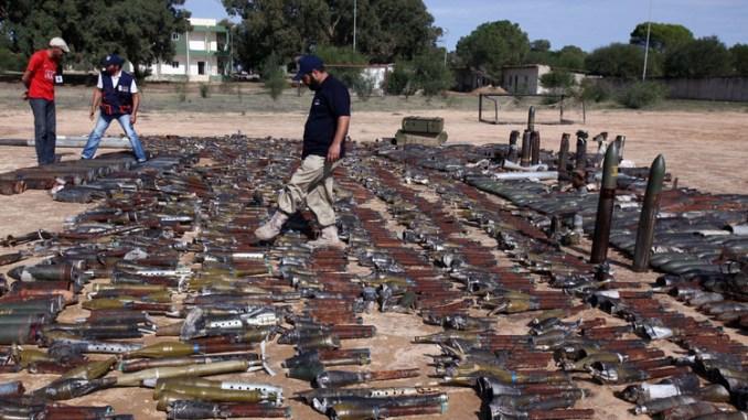 أسلحة في ليبيا عام 2011