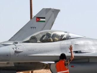 مقاتلتان أف-16 تابعتان لسلاح الجو الأردني