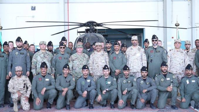 الحرس الوطني السعودي خلال تسلّمه للدفعة الأولى من مروحيات AH-6SA