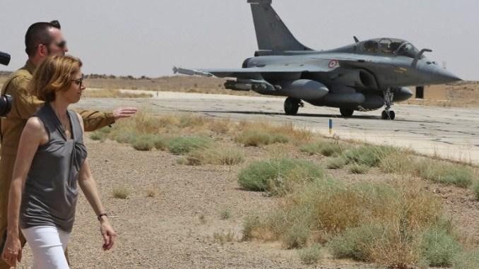وزيرة الدفاع الفرنسية في القاعدة العسكرية الأردنية (AFP)