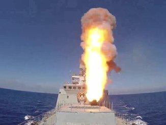 عملية إطلاق صاروخ كاليبر