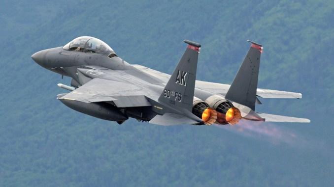 مقاتلة إف-15