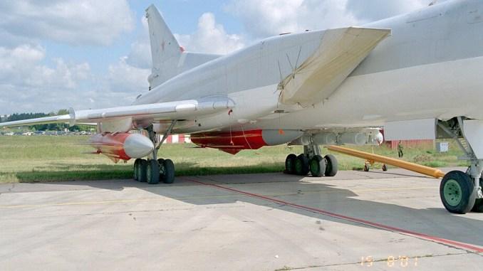 صاروخ X-22 على طائرة تو-22إم3