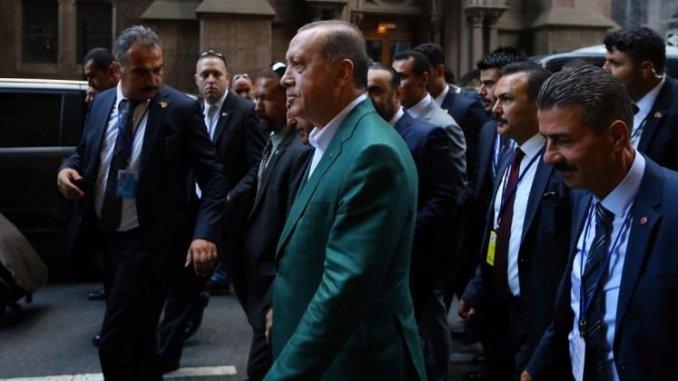 الرئيس التركي وحرسه