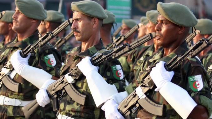 الجزائر عازمة على بناء جيش قوي ومتطور