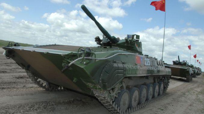 دبابة عائمة صينية