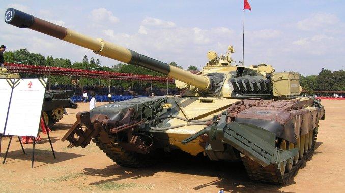 """ينوي الجيش الهندي استبدال أسطول دبابات """"تي-72"""" بالمركبات القتالية المستقبلية الجديدة"""