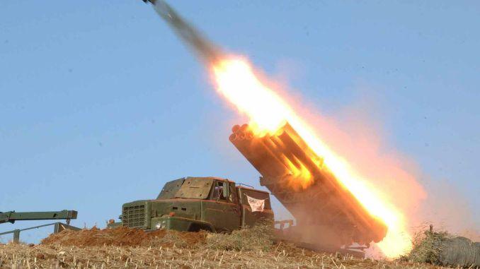 كوريا الشمالية تطلق صاروخين بالستيين قصيري المدى قبالة ساحلها الشرقي (وكالة رويترز)