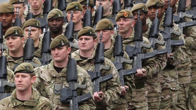 عناصر من الجيش البريطاني (Getty Images)