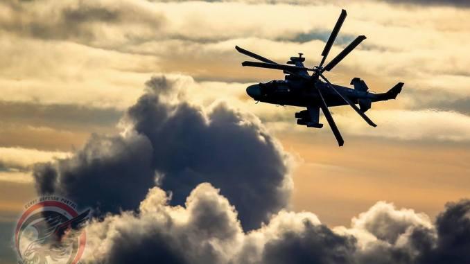 """لقطة لمروحية """"كا-52"""" خلال عملية التحليق (بوابة الدفاع المصرية)"""