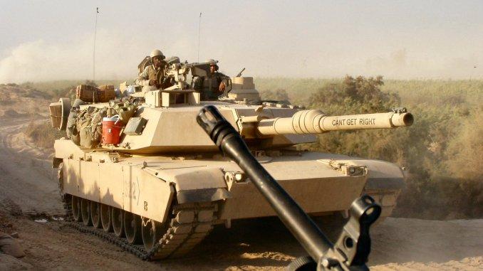 """دبابة """"أبرامز أم1"""" عراقية خلال حرب العراق (Operation Freedom) التي بدأت عام 2003 (Prime Portal)"""
