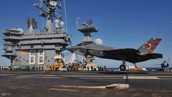 """مقاتلة """"أف-35"""" الشبح شبحية لاختراق الرادارات على متن حاملة طائرات (أرشيف)"""
