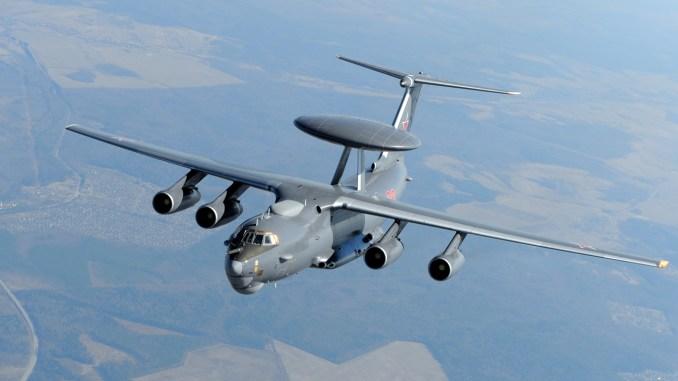 طائرة الإنذار المبكر الروسية A-50U خلال عمليات تدريبية (Sergey Krivchikov/Global Look Press)