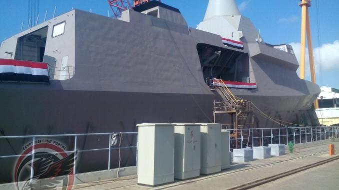 """الكورفيت الشبحي المصري الثاني """"بورسعيد"""" طراز """"غويند-2500"""" في ترسانة الإسكندرية البحرية، والذي حصل رسمياً على الترقيم 976 (بوابة الدفاع المصرية)"""