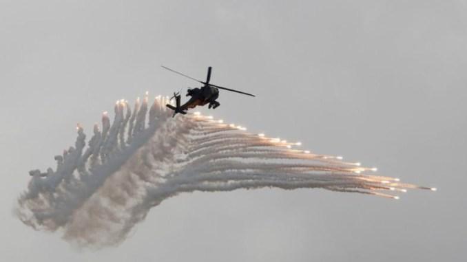 طائرة هليكوبتر تشارك في تدريبات عسكرية بمدينة تايتشونج وسط تايوان في 6 حزيران/يونيو 2018 (تايرون سيو – وكالة رويترز)