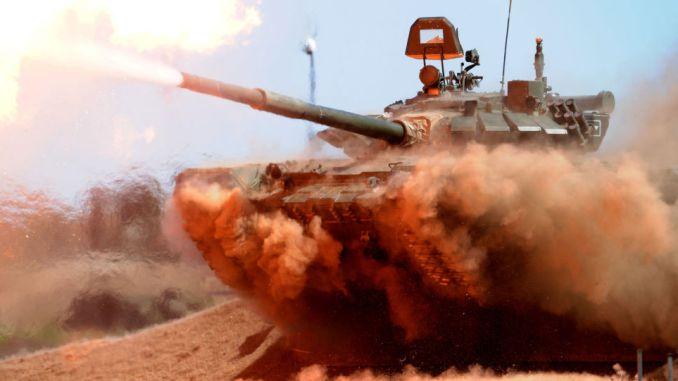 دبابة تي-72 بي-3 تشارك في مناورات عسكرية