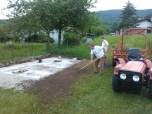 Urejanje okolice barake (odstranjevanje mreže, priprava za betonažo mulde)_3