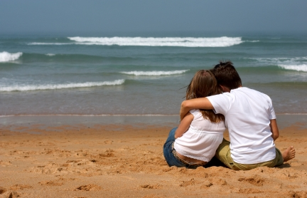 couple-on-beach