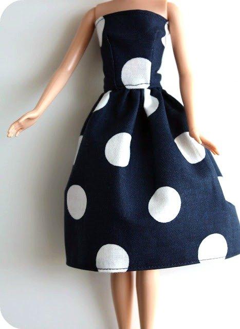 3c0f341c109 Эти три шикарных платья выполнены по одной выкройке. Все они очень яркие и  стильные