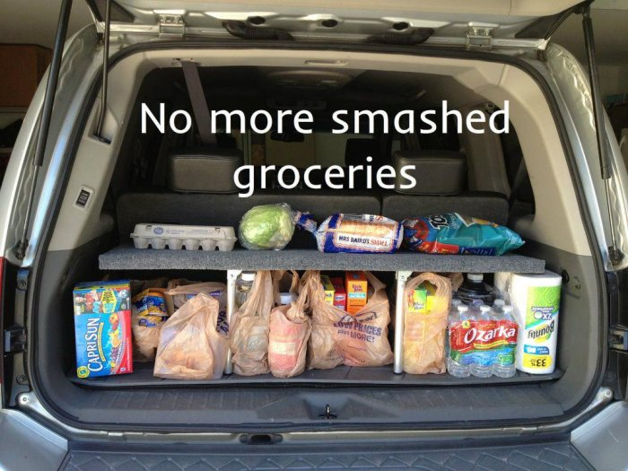 Удобная складывающаяся полка в багажник автомобиля