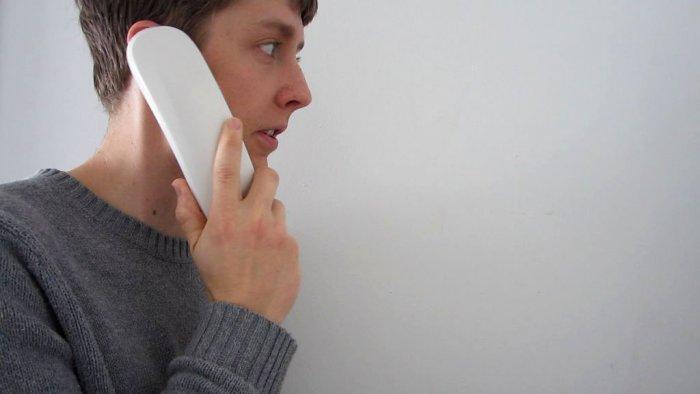 Простой домофон из пары старых проводных телефонов