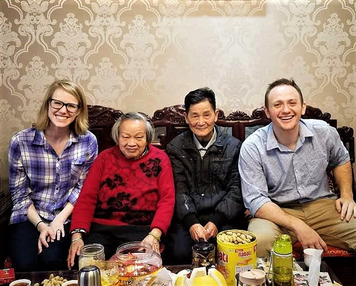 , Leaving China: A Weekend at Uncle Li's by Laura Grace Tarpley, SDE Seadragon Education