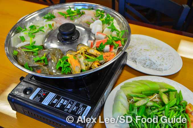 lotusgarden-seafood-hotpot