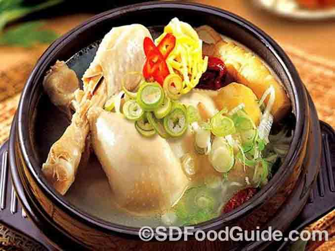 富家韩国烤肉(Buga Korean BBQ)的参鸡汤非常诱人。(图/富家)