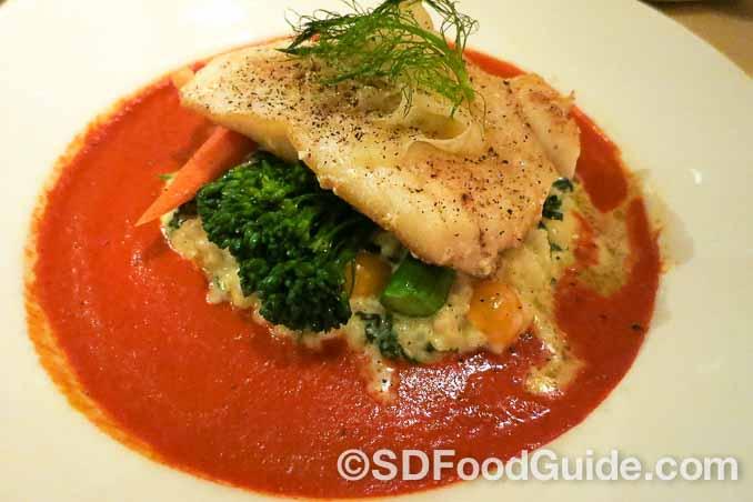 Silver Legacy赌场内的Sterling's海鲜牛排馆的名菜-智利海鲈鱼。(摄影:李旭生)