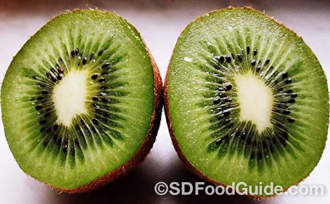 奇异果含有维生素C及维生素E