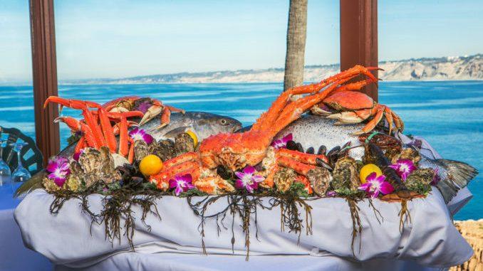 La Jolla特色餐廳Crab Catcher的海鮮拼盤。