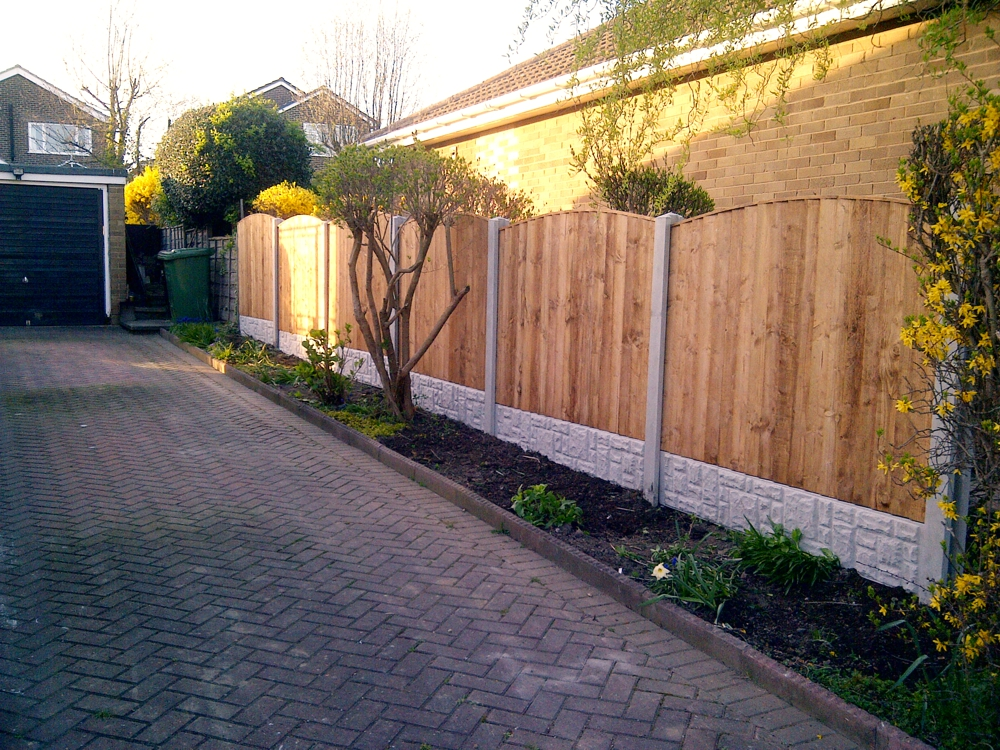 Concrete post fencing