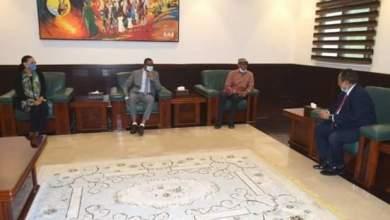 د. حمدوك يلتقي وفد المؤسسة الدولية للديمقراطية والانتخابا