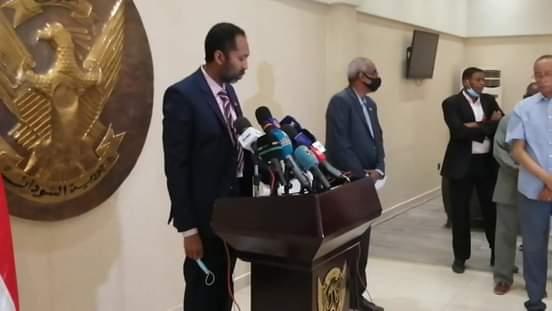 خالد يوسف : السيسي وجه أجهزة الدولة المصرية برفع مستوى التعاون والتنسيق مع السودان