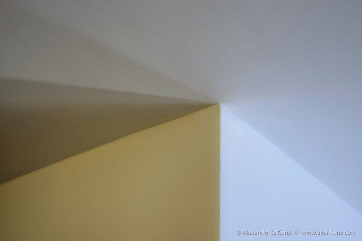 Geometry of Shadows 1
