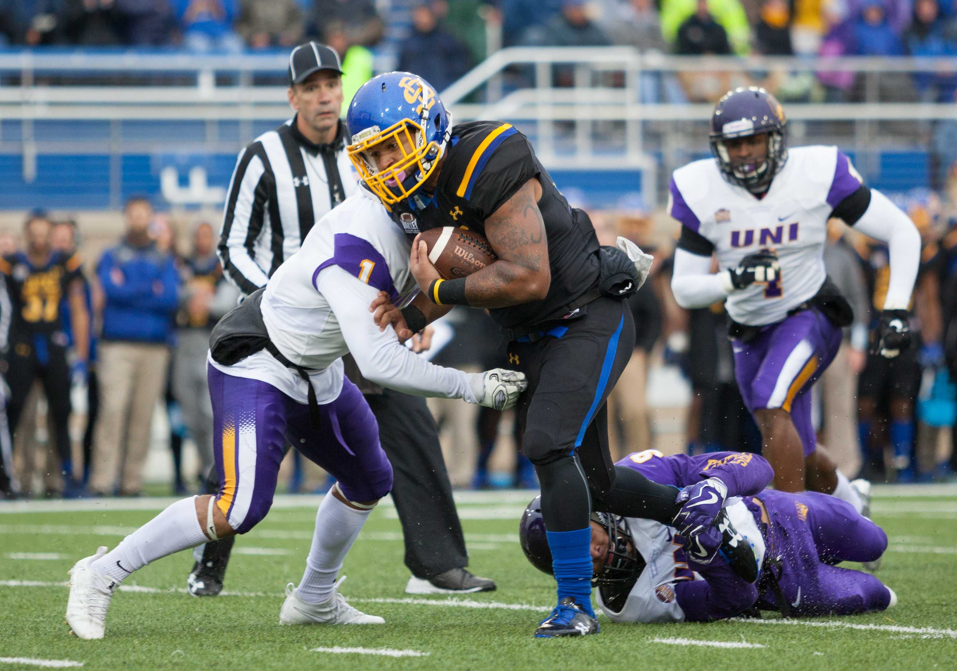 THIEN NGUYEN Sophomore Mikey Daniel (26) rushes 21 yards for a first down against Northern Iowa Oct. 14. The Jacks travel to Springfield, Missouri to face the Missouri State Bears on Saturday.