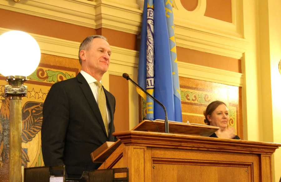 Gov.+Dennis+Daugaard+gets+ready+to+begin+his+final+State+of+the+State+address+to+a+joint+session+of+the+South+Dakota+Legislature.+%28Community+News+Service+photo%29