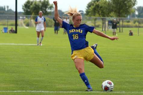 Women's soccer to play age-old competitors USD, NDSU