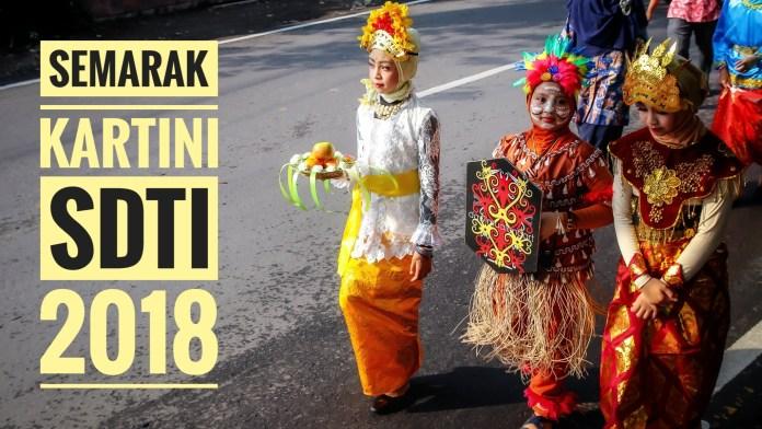 Karnaval Kartini dan Sarapan Sehat Bersama Posta SD Ta'mirul Islam Surakarta